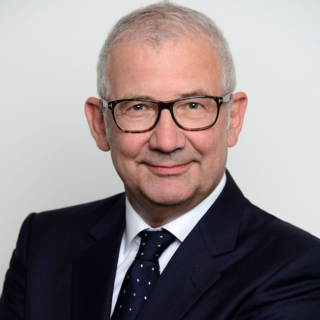 Portraitfoto von Prof. Dr. Matthias Thomas, Senior Director Institutional Sales, Real Exchange